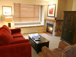 Modern 2 Bedroom Suite in Whistler with Full Kitchen + Fireplace