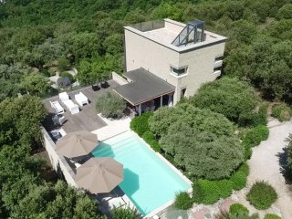 An exclusive, contemporary villa with private pool and panoramic 360 degree view