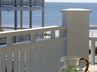 Luxury Living Savannah: Winter Bargains!! Steps to the Pier