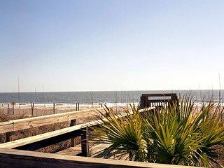 Luxury Living Savannah: Last minute Deals at Oceanfront Oasis!!