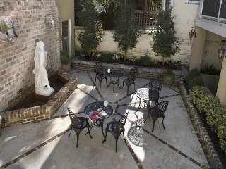 Luxury Living Savannah: Winter Bargains!! Private Carriage House