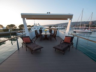 Marina Portorož - Premium Houseboat