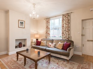 The Chelsea Cottage - 2 Bedrooms