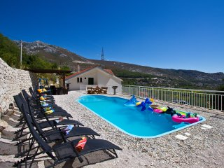 Sea view villa with private pool near Split