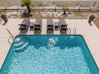 4BR Condo w/ Panoramic Gulf Views & Pool—Steps to Beach