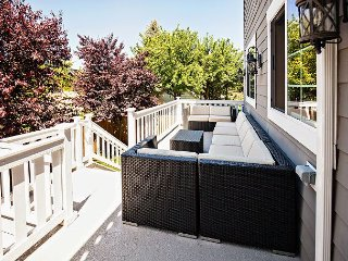 Charming Eco-Friendly 4BR in Historic Ballard District - Minutes to Downtown