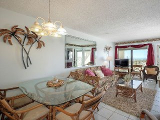 Prime 2BR Oceanfront w/ Pool & Private Beach Access - Expansive Gulf Views