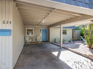 Downtown Sarasota 2BR w/ Screened Porch & Fenced Yard ? Walk to Local Eats