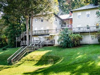 15 Bedroom Providence Lodge in Lake Junaluska