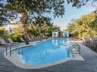Summers Edge Emerald Rose - 4BR Steps to Beach & Pools
