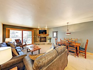 2BR Beaver Creek Condo w/ Hot Tub, Pool & Sauna - Free Shuttle to Slopes