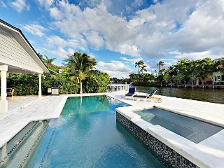 Exclusive 3BR Rio Vista Waterfront Home w/ Pool, Hot Tub - Intracoastal View