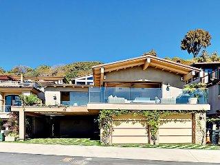 Luxurious 3BR Corona Beach House w/ Expansive Ocean Views