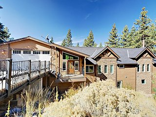 5BR Tahoe Manor Home w/ Hot Tub & Game Room - Perfect for Entertaining