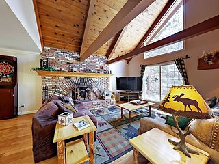 3BR Chalet w/ Hot Tub & Game Room—Near Skiing & Dining, Walk to Lake