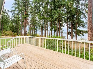 Waterfront 2BR Set on 10+ Acres – Brand-New Kitchen & Bathrooms