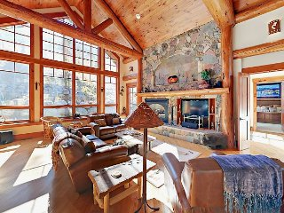 4BR Mountain Luxury - White River Forest Views, Hot Tub & 2 Master Suites