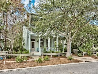 Serene & Stylish 4BR in WaterColor's Camp District w/ Outdoor Living