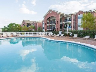 1BR + Bonus Room One Club Condo w/ Clubhouse Access – Adjacent to Golf Course