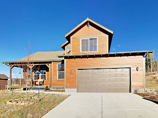 Brand-New Ski-In/Ski-Out 5BR at Granby Ranch w/ Pool Table & Fireplace
