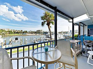 Waterfront 2BR w/ Private Balcony, Pool & Tennis – Steps to Beach