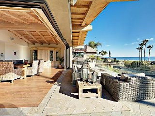 Luxrious 3BR/3.5BA Beachfront Duplex w/ Gourmet Kitchen, Expansive Ocean View