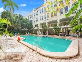 Chic Studio in Heart of Palm Beach – Walk to Beaches, Dining & Shopping