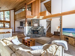 Luxury 3BR Villa w/ Deck - All-Season Access to Northstar Resort Amenities