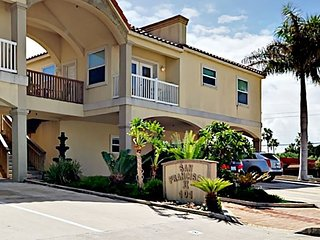 Spacious 2BR Condo with Pool & Hot Tub - Walk 2 Minutes to the Beach