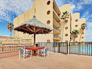 Beachfront 2BR South Padre Condo w/ Pool & Hot Tub Suntide ii 503