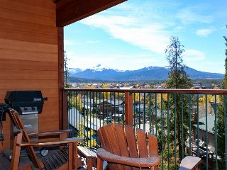 Spacious 3BR Condo on Shuttle Route – Two Private Decks w/ Scenic Views