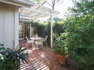 3BR w/ Patio & BBQ, Walk to Dining, Quick Drive to Beach & Santa Barbara