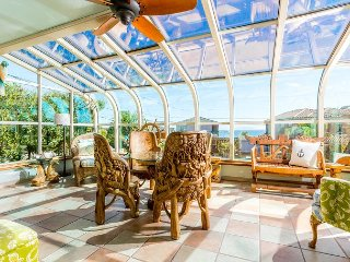 Water-View 3BR w/ Outdoor Living Space & Hot Tub, Near Beach & Vineyards