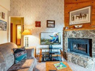 NEW! Prime Location - 2BR condo w/ Hot Tub, 4 Minutes to Steamboat Ski Resort