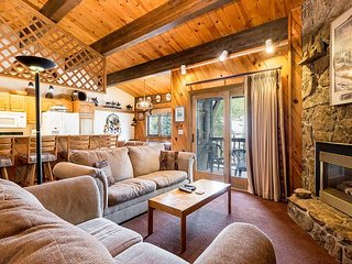 Steps to Ski Area Base – 4BR Condo w/ Pool, Hot Tubs, Gym & Private Sauna