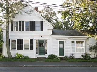 Newly-Remodeled Historic 4BR – Walk to Downtown & Wellfleet Harbor