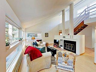 3BR Condo w/ Fireplace, Balcony, Pool & Hot Tub – Near Skiing & Hiking