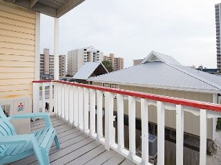 Relaxing 1BR w/ Balcony - Steps to Beach, Close to Shops & Restaurants