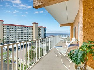 2BR Condo w/ Pool & Beach Views – Walk to Waterfront Dining & Shopping