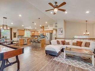Brand-New 3BR - 5 Minutes to Camp Richardson & 15 Minutes to Skiing
