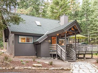 3BR Cabin in the Woods - Close to the Beach, Skiing, Hiking, & Biking Trails