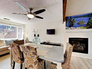 Family friendly contemporary 2BR Condo near Heaven – Close to Dining & Marina