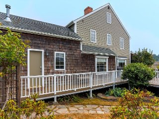 3BR w/ Loft, Fireplaces & Water Vistas - Steps From Penn Cove Waterfront