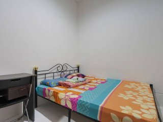 lavender MRT: no-sharing Private Doublebed room