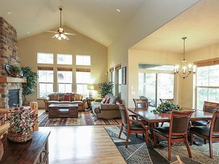 Family-Friendly 4BR - Walk to Ski Lift & Golf, Near Winter Park & Lake Granby