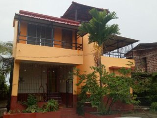 Bungalow is a vacation home with a garden, located in Ganpatipule in the region