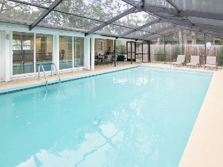 Renovated 4BR w/ Screened/Heated Private Pool – Minutes to Siesta Key
