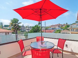 Remodeled 2BR Bay-View Duplex w/ Private Patios – Minutes to Bay & Downtown