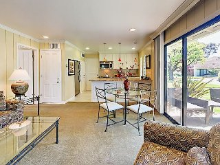 Deluxe 2BR for the Perfect Napa Getaway - Walk to Pool & Shops