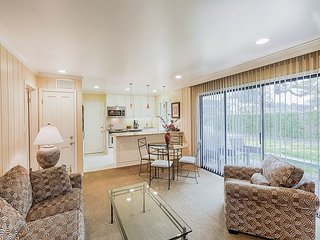 TurnKey - Deluxe 2BR for the Perfect Napa Getaway - Walk to Pool & Shops